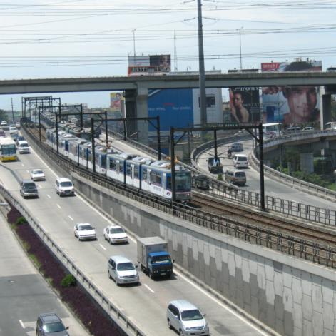 Magallanes Interchange. Source: https://upload.wikimedia.org/wikipedia/commons/a/a4/Magallanes_interchange_Makati_2008-09.jpg