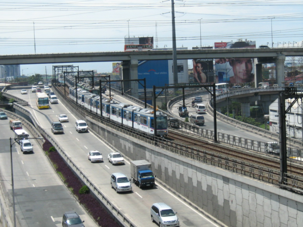 Magallanes Interchange. Source: https://upload.wikimedia.org/wikipedia/commons/a/a4/Magallanes_interchange_Makati_2008-09.jpg