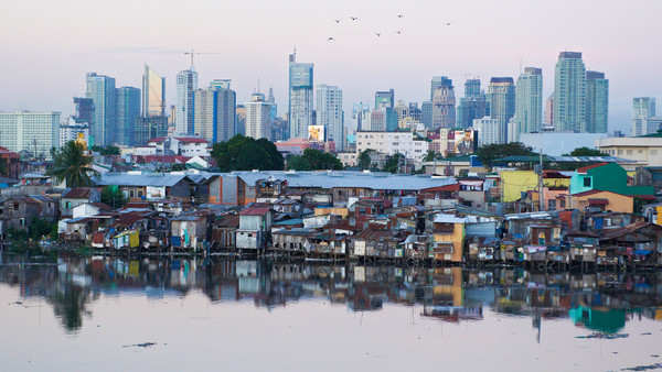 Makati's disparity. Source: http://im.ft-static.com/content/images/a60b6c67-27c4-4704-a6d0-bc4fd154b917.img